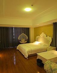 米果酒店式公寓(泰安万达广场店)