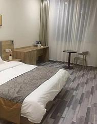 派酒店(太原平阳南路百花谷店)