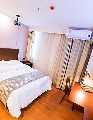 格美酒店(南京艺术学院草场门地铁站店)